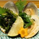 57144292 - 本日の貝 焼き蛤 (950円)