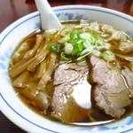 味龍 - ワンタンメン880円