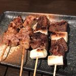 牛タン べこ串 - しまちょう&ほっこり牛タン葱間 各214円(税込)