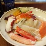 あづま寿司 - 料理写真:海鮮丼