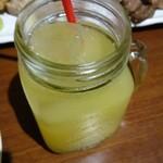 トラットリア アルベロ グランデ - パイナップルジュース