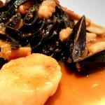 バウレット - 自家製手打ちパスタのタリオリーニ 魚介とエリンギソース