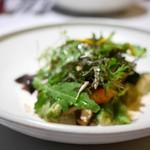 カセント - 季節野菜の焦がしバター風味 エメンタルチーズソースで