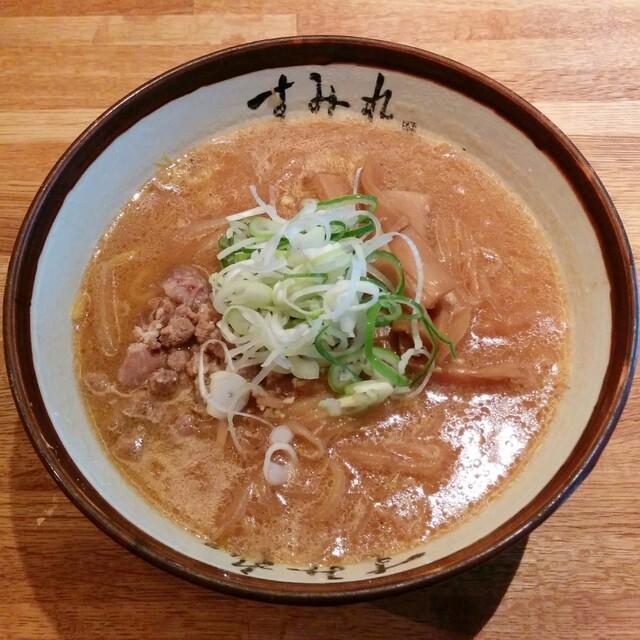 すみれ 札幌すすきの店 - 味噌ラーメン(900円)