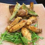 北白川中国料理 叡 - 大原野菜(伏見唐辛子、シカクマメ等)と、若狭産真鯛のフリット。