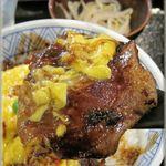 いいやま食事処 あたご亭 - 料理写真:ふわふわ卵の飯山豚丼