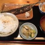 57158913 - 161006東京 36番倉庫 炭火定食秋刀魚850円