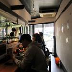 平塚のLottaのラーメン部 新澤屋 - 店内風景