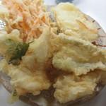 天ぷら定食ふじしま - 鶏しそ・キス・白身魚・玉ねぎ・人参かき揚げ