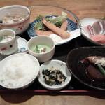 鮮味食彩 宇佐川水産 - 魚定食