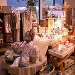 カフェ ビィエント - 雑貨がいっぱい。雑貨屋さんの7年の経験を積んで+カフェ屋さんに。