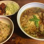 れんげ食堂 - Cset(ワンタン麺+半炒飯+唐揚2個) ¥850
