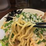 57166910 - 麺は太麺