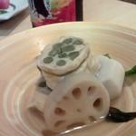 小料理 椿 - 湯葉といんげんで辛子蓮根を創作