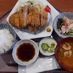 銀座 和らん - 黒豚ロースカツ定食 おろしポン酢