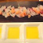 LA PLANCHA - 【2010/11】 真鯛のカルパッチョ~4種のオリーブオイル~ ¥800