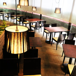 『豪華内装の極上空間』がお客様を魅了します。