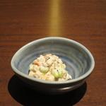 北の味紀行と地酒 北海道 - お通しの豆と根菜のマヨネーズ和え