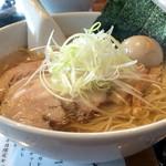 らぁめん大山 - 料理写真:駿河塩そば(大盛り+味玉)