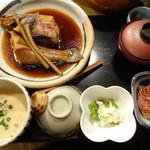 麦屋魚仙坊 - 麦とろと季節の煮魚(アイナメ)