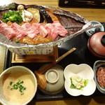 麦屋魚仙坊 - 麦とろ和牛朴葉味噌焼