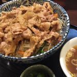 栄雅  - 豚焼肉丼大盛 ¥820(くらい)