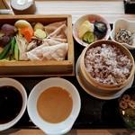 タイムズ スパ・レスタ - 【2016/10】いも豚ロースと季節野菜のセイロ蒸し膳(十穀米)