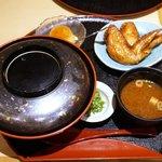 とり五鐵 - 名古屋コーチン親子丼と手羽先から揚げセット