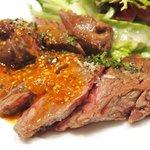 コルクルム - 牛ハラミのステーキ 粒マスタードソース 1200円