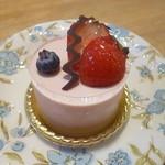 57199870 - 木苺レアチーズケーキ 2016.10月