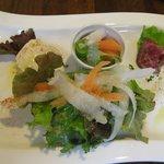 5720780 - 前菜盛り合わせはローストビーフとバーニャカウダ、サラダなど