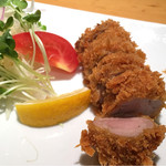 遊食豚彩 いちにいさん - 黒豚ヒレカツ定食(1600円)