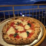 57200136 - 海と空を観ながら食べるピッツァ(^-^)
