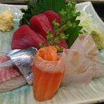 幸甚寿司 - 2000円コースの刺し盛り