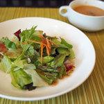 ワンシーン - ランチのサラダ