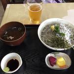 見晴亭 - しらすハーフ丼‼︎ ¥1,100-