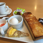 オムライス専門店 イーグル - ブレンドコーヒー400円とバタートーストのモーニング