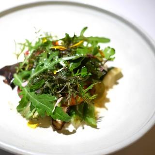 カセント - 料理写真:スペシャリテ 季節野菜の焦がしバター風味 エメンタルチーズソースで