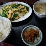 京香房 - 豚肉玉子とニラ炒め¥750