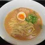 日清ラ王 袋麺屋 - 豚骨醤油(263円)