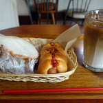 カフェ ガーデン - 北海道コロッケサンド&ウインナーチーズロール&アイスカフェラテ