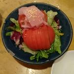 57223367 - トマトとガリのサラダ