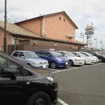 グランファーム ビュッフェ タヴェルナ - 駐車場