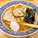 中華そば 青葉 - 特製に柚子唐辛子!
