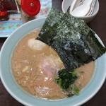 57225337 - 醤油ラーメン(味玉クーポン)