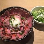 57228738 - 「ローストビーフ丼 メガ」1,280円