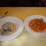 5723341 - 左 クリームパスタ  右 パンチェッタトマトソース