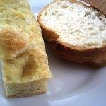 カフェレストラン ラヴィータ - ランチ、パン2種