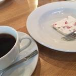 57232075 - デザートとコーヒー付き