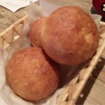 ユクス - 自家製パン ひとつ100円